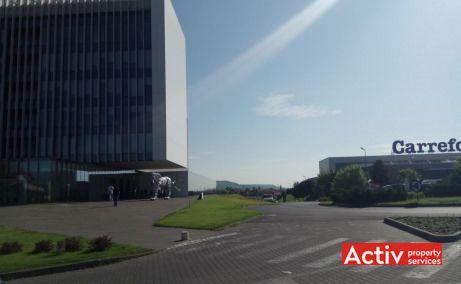 Centrul de Afaceri Oradea spații de birouri vedere către centrul comercial Lotus Center