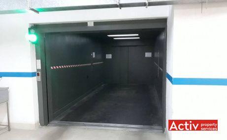 Empire Tower birouri de închiriat în București metrou vedere interior lift