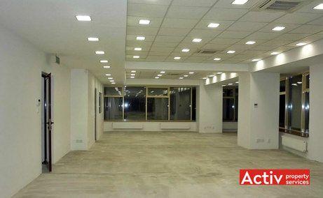Empire Tower birouri de închiriat în București metrou vedere interior open space