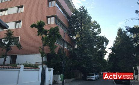 Grigore Mora 11 inchiriere birouri Bucuresti zona de nord vedere intrare in cladire