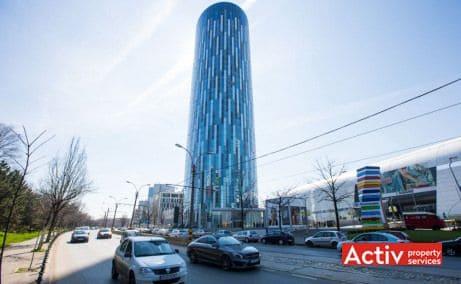 Sky Tower se înalță pe 37 de etaje și 137 m fiind cea mai înaltă clădire din România. De asemenea clădirea turn dispune de încă 5 niveluri în subterean unde s-au amenajat 518 locuri de parcare.